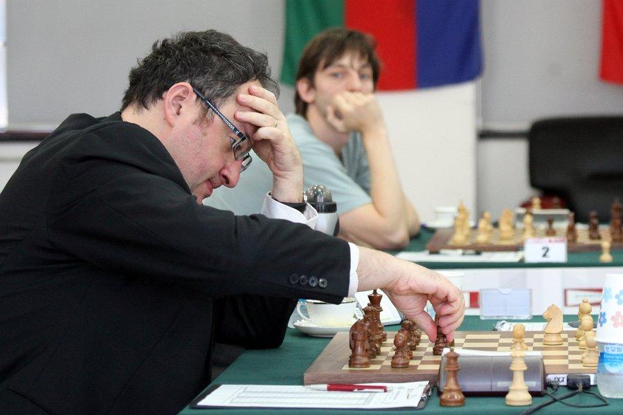 Gelfand, Grischuk in the background