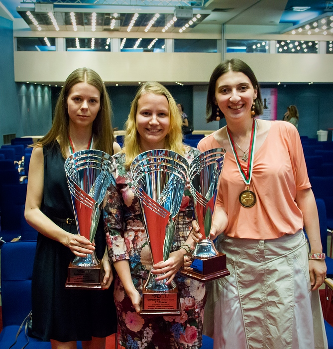 Left to right: Kosintseva, Gunina and Melia