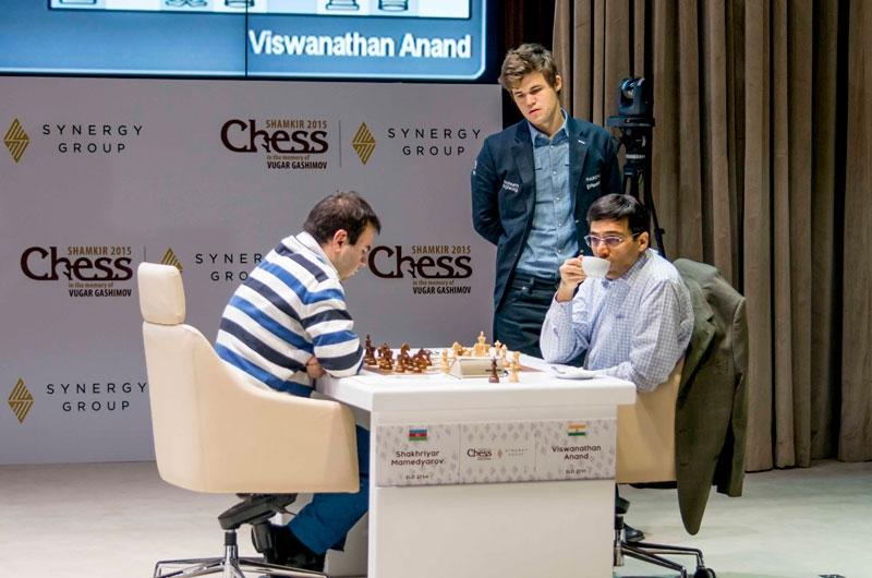 Anand-Mamedyarov, Carlsen watching