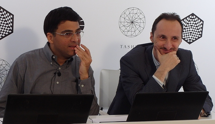 Anand, Topalov (Photo taken from chess-news.ru)