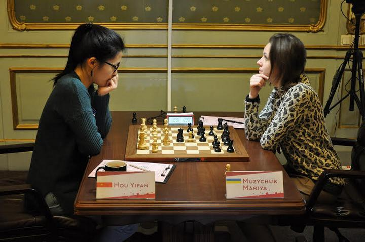 Hou-M.Muzychuk (Photo taken from chess-news.ru)