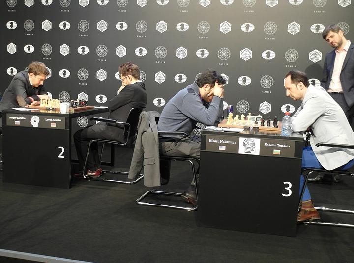 Karjakin-Aronian, Nakamura-Topalov, Svidler watching (Photo taken from chess-news.ru)
