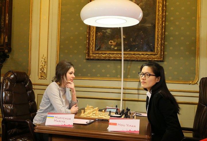 M.Muzychuk-Hou (Photo taken from chess-news.ru)